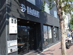 DAgDART 三宮の路面店