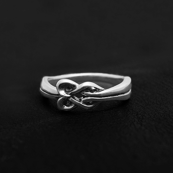 【配送選択可。クリックポスト便は送料無料(指定日・代引き・ギフト不可)】【true knot】レディス シルバーリング  [DR-358]